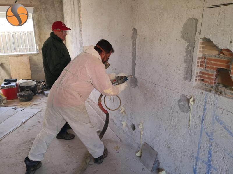 Rehabilitación térmica de una vivienda con POLIFORMA 2110